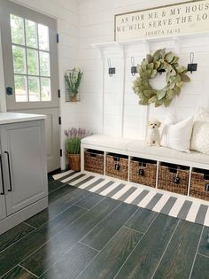 Looking for for pictures for farmhouse living room? Browse around this site for amazing farmhouse living room pictures. This farmhouse living room ideas looks absolutely amazing. Home Renovation, Home Remodeling, Mudroom Laundry Room, Mudroom Cubbies, Decoration Entree, Farmhouse Decor, Modern Farmhouse, Farmhouse Interior, Farmhouse Ideas