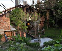 Sekeping Tenggiri - guesthouse in Kuala Lumpur by civil engineer & landscape architect, Ng Sek San (Malaysian), he is not only artistic & talented but also one of the most humble person I've ever met.