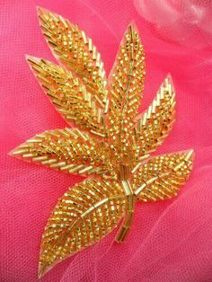Wonderful Ribbon Embroidery Flowers by Hand Ideas. Enchanting Ribbon Embroidery Flowers by Hand Ideas. Pearl Embroidery, Tambour Embroidery, Bead Embroidery Patterns, Hand Embroidery Flowers, Couture Embroidery, Bead Embroidery Jewelry, Hand Embroidery Stitches, Beaded Jewelry Patterns, Silk Ribbon Embroidery