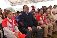 En Veracruz trabajamos para generar mejores condiciones de bienestar y de desarrollo para todos los ciudadanos, principalmente para las nuevas generaciones, niños y jóvenes que representan el futuro del país, aseguró el Gobernador del Estado.
