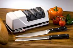 Best Electric Knife Sharpener, Tactical Pocket Knife, Pocket Knives, Knife Stand, Chef's Choice, Types Of Knives, Best Pocket Knife, Best Chef, Knife Sharpening