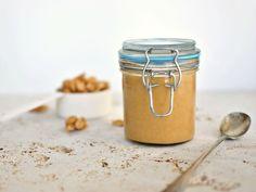Recette de beurre de cacahuètes au Thermomix TM31 ou TM5. Faites cet accompagnement en mode étape par étape comme sur votre robot !