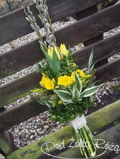 Funeral Flower Arrangements, Funeral Flowers, Diy And Crafts, Crafts For Kids, Easter Flowers, Flower Decorations, Nature, Spring, Aga