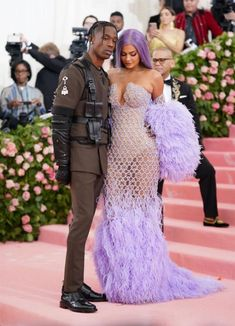 Photos : Kylie Jenner – 2019 Met Gala Celebrating 'Camp: Notes on Fashion' in NYC , informations and more on Celebrity. Travis Scott, Kylie Travis, Kylie Jenner, Met Gala Outfits, Lavender Gown, Afro Twist, Haute Couture Dresses, Costume Institute, Dress Out