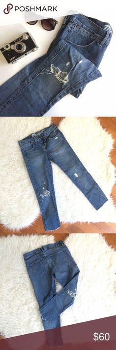 Madewell Crop Distressed Jeans Uber popular Madewell cropped distressed jeans in excellent condition! You'll reach for these over and over again in all seasons. The perfect fit and perfect amount of distressing on legs, pockets, and ankles. Waist: 16in, inseam: 26in, 100% cotton. Madewell Jeans Ankle & Cropped