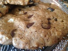 Giant MACADAMIA NUT CRANBERRY OATMEAL COOKIES * thick & chewy * sugar or sugar-free * CHOCOLATE CHIPS (white, mini-morsel or sugar-free) ** Makes about 1 dozen big cookies