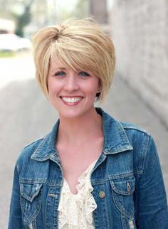 Awesome Blonde Hairstyle with Short Back