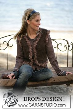 Sleeveless Cardigan in Highlander. Free pattern by DROPS Design.