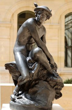 """Mercury Pigalle Louvre- Жан-Батист Пигал —  """"Меркурий си връзва сандалите"""""""