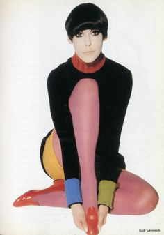 Modern Clown :: Peggy Moffitt Vintage Color Blocking