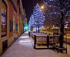 Már éjszaka esett a hó, alig vártam, hogy mehessek fotózni, a még kivilágított városba. Hat előtt indultam és fél nyolcig jártam az utcákat ... Marvel, Winter, Winter Fits, Winter Fashion