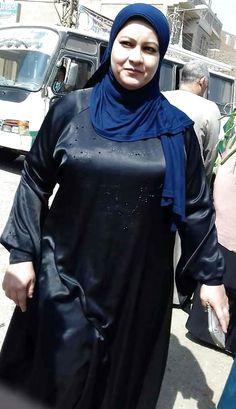 Beautiful Women Over 40, Beautiful Muslim Women, Beautiful Hijab, Arab Girls Hijab, Girl Hijab, Muslim Girls, Hot Goth Girls, Sexy Asian Girls, Arabian Beauty Women