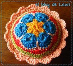 El blog de Lauri: alfileteros reusando tapas plasticas - tutorial