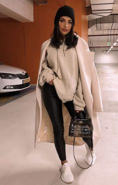 23 Winter Street Style Outfits To Keep You Stylish and Warm Winter Outfits For Teen Girls, Preppy Summer Outfits, Chic Winter Outfits, Winter Outfits Women, Winter Fashion Outfits, Classy Outfits, Look Fashion, Spring Outfits, Casual Outfits