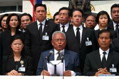 Thai Parliament ( 15% of members are women).