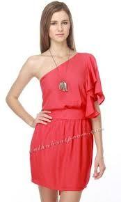 beautifull dresses...ad rock em!
