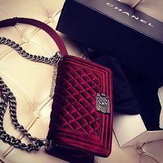 Chanel le boy i love it in velvet burgundy for winter Designerbag Designertasche Valentnio Chanel Hermes Louis Vuitton Gucci Burberry Handbags, Chanel Handbags, Purses And Handbags, Burberry Bags, Designer Handbags, Chanel Bags, Handbags Online, 2017 Handbags, Chanel Clutch