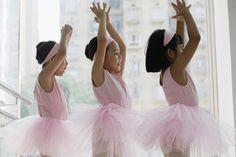 Tips for Dance Teachers: Hosting Parent Observation Classes Ballet School, Ballet Class, Dance Class, Dance Studio, Premature Grey Hair, Princess Wands, Baby Ballet, International Dance, Partner Dance