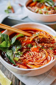 Bo Kho: Spicy Vietnamese Beef Stew with Noodles - Rezepte - Asian Recipes, Beef Recipes, Soup Recipes, Cooking Recipes, Healthy Recipes, Ethnic Recipes, Asian Desserts, Cooking Ideas, Asian Cooking