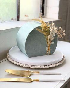 Pretty Cakes, Cute Cakes, Beautiful Cakes, Amazing Cakes, New Cake Design, Cake Designs, Easy Cake Decorating, Cake Decorating Techniques, Cake Lettering