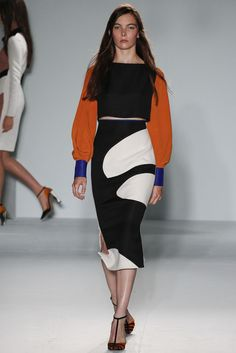Roksanda Spring 2013 Ready-to-Wear Fashion Show - Hannah Noble