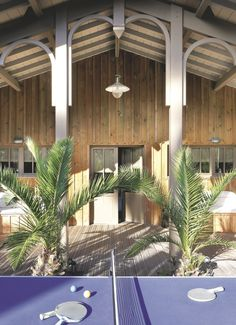 A wooden house in Cap Ferret, France Wooden House, Tropical Houses, Villa, Yard, France, Architecture, Interior, Outdoor Decor, Design
