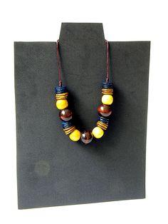 Collar boho étnico de abalorios de madera hecho a mano