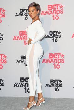 black women with natural curves Sexy Older Women, Sexy Women, Lisa Ray, Black Actresses, Big Thighs, Black Celebrities, African American Women, Beautiful Black Women, Black Girls