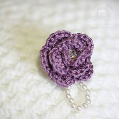 Handmade rose brooch with glass pearls and crystal #Rose #brooch #crochet #handmade #flower #broochpin #flowerpin #jewel #blings #accessories