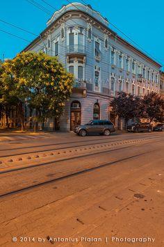 Imobil, strada Gheorghe Doja, Timișoara Romania, Sidewalk, Louvre, Architecture, Building, Travel, Arquitetura, Viajes, Side Walkway