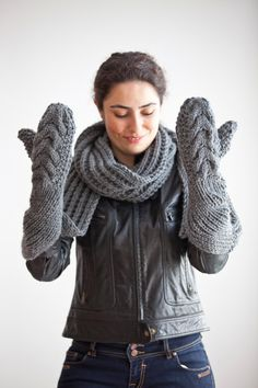 Gloves and A Scarf All in One designed by Afra by afra on Etsy