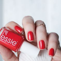 Love your nails in this radiant red-orange shade 'happy wife, happy life' and live happily ever after.