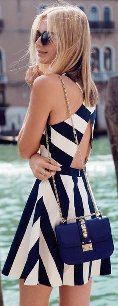 Street style cut out navy and white dress. - Total Street Style Looks And Fashion Outfit Ideas Mode Outfits, Sexy Outfits, Woman Outfits, Club Outfits, Office Outfits, Casual Outfits, Pretty Dresses, Beautiful Dresses, Gorgeous Dress