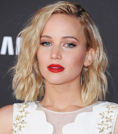 Copy That: A Jennifer Lawrence Hairstyle for Every Day of the Week via @ByrdieBeautyUK