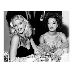 'Anna Nicole Smith: Guess Campaign 1992 -Homage to Jane Mansfield' Photograph Anna Nicole Smith, Old Hollywood Hair, Hollywood Glamour, Pretty People, Beautiful People, Janes Mansfield, Preppy Grunge, Classic Beauty, Beautiful Actresses