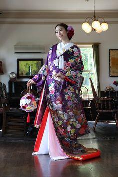 紫地に相良刺繍洋花