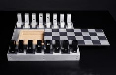 Sergio Silva: Chess Set (2005)
