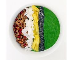 green tropics smoothie bowl with homemade granola // clean food dirty city (gluten free, vegan):