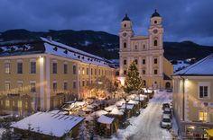 Christmas market in Mondsee, Salzkammergut, Austria