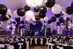 Qualatex 3' latex #balloons make a big impact when suspended from the ceiling. This sophisticated black & white decor is perfect for decorating a #prom or other formal dance. Design by Cheryl Sarsby, CBA, of Balloonz 4 Eventz in Essex, United Kingdom. Find a balloon professional near you: http://www.qualatex.com/balloons/findapro.php