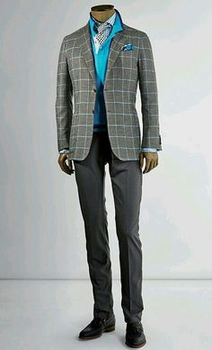 The Italian Cut - Kiton S/S 2015 - Love the colour of knitwear but really don't like it worn with a Jacket like this !