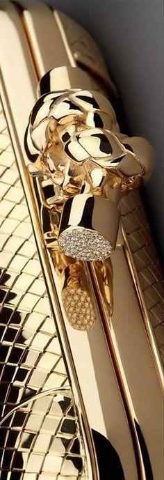 Bottega Veneta Knot Clutch Details