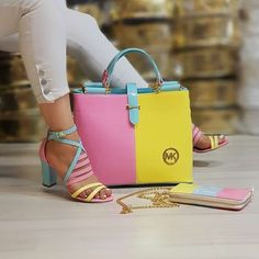 Purses And Handbags Tutorial Luxury Handbag Brands, Luxury Bags, Luxury Handbags, Fashion Handbags, Fashion Bags, Fashion Shoes, Luxury Purses, Travel Handbags, Fashion Outfits