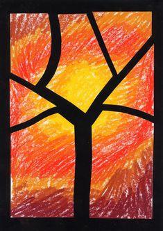 décorer une feuille aux couleurs de l'automne et la découper pour faire un arbre