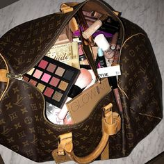 Makeup bag/collection perfection