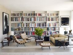 beautiful living room with beautiful bookshelves and love the chairs Home Library Design, Home Interior Design, House Design, Modern Library, Library Ideas, Home Living Room, Living Room Decor, Living Spaces, Appartement Design