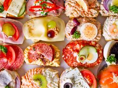 Our new obsession! Duran European Sandwiches Cafe in Chicago, Illinois. http://www.duraneurosandwich.com/