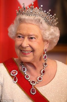 The Queen calls for unity in Europe at State Banquet speech in Berlin. June, 2015