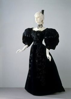 Evening dress ca. 1894 via The Victoria & Albert Museum.