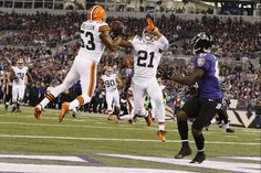 Cleveland Browns linebacker Craig Robertson intercepts a pass into the end zone. Week 4 2012 Season